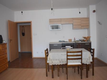 ID -604, Банско Просторен 2-стаен апартамент с балкон  в сграда без такса поддръжка